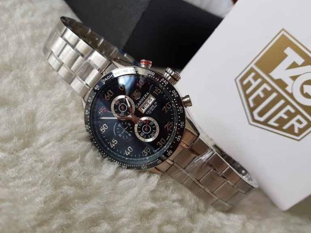 3d8731101f03f Relogio Modelo com pulseira Personalizada - ja é Vedado - Detalhes incríveis !
