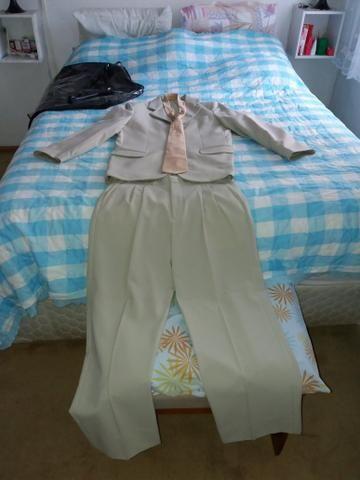 Terno completo com gravata