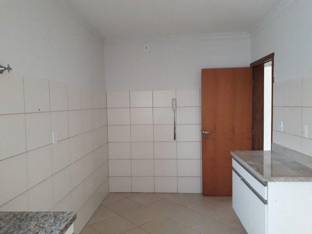 Aluga-se apartamento (tamanho casa). Condomínio incluso - Foto 13