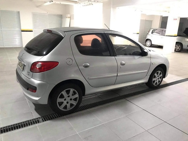 Peugeot 207 XR 1.4 ano 2011 Completo! - Foto 2