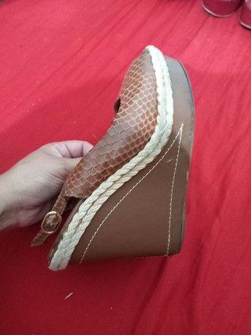 Vendo sandálias e sapatos 37 de 5 a 15 reais  - Foto 5