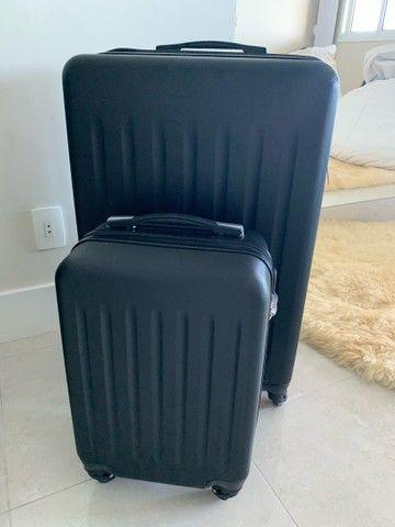 Jogo de malas Konos com um troley de cabine e uma mala grande. Usada somente uma vez.