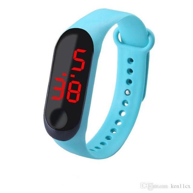 Relóginho de led Valor r$10 - Foto 3