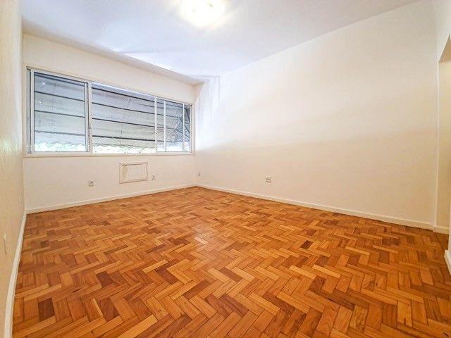 Amplo Apartamento na melhor localização de Ipanema - Foto 2