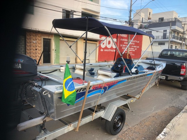 Apollus Tracker 500 levfort 40Hp 2008