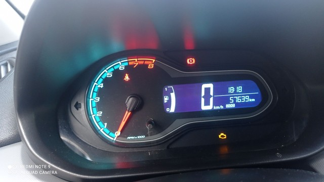 onix 1.0 ano Lt 2016 o carro e extra , nao tem nenhum defeito de nada .  - Foto 3