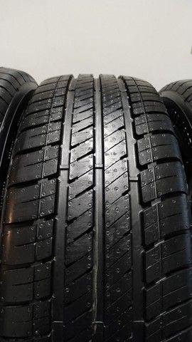 Jogo de pneus Goodyear Assurance 195-60-16
