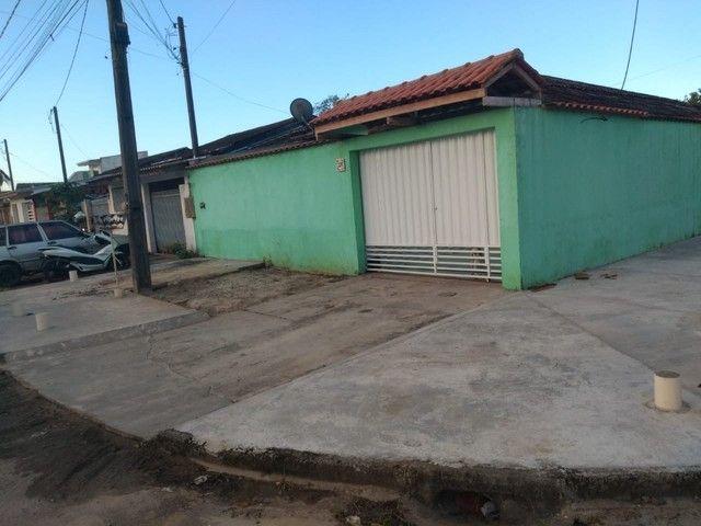 Casa de esquina com terreno financiável / Gonçalves Imoveis