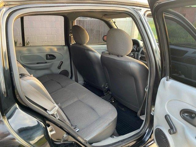 Renault Clio HATCH  1.0 16v.Flex 4p manual  Ano 2009 modelo 2010 Gasolina e álcool  preto  - Foto 15
