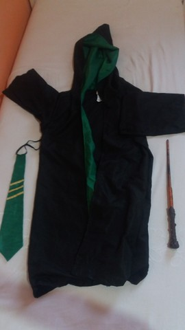 Kit Fantasia Harry Potter Sonserina pouco uso  - Foto 3