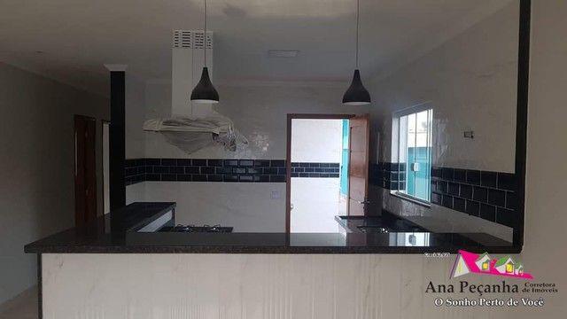 Casa Espetacular a Venda, 3 Quartos, Piscina e Churrasqueira em Itaipuaçu! - Foto 8