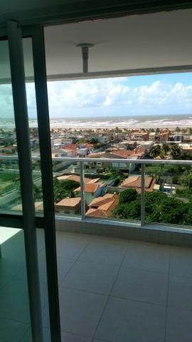 Vendo/Troco excelente apartamento no Cond. Verde Mare, Bairro Atalaia com vista para o mar