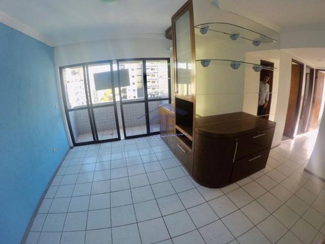 Apartamento todo nascente, 3 quartos sendo 1 suíte - Edifício San Remo - Ponta Verde