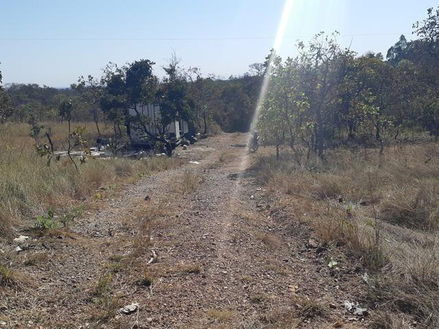 Chácara no pé do morro de Santo Antônio do Leverger