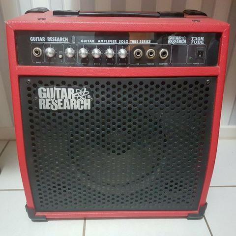 Cubo GuitarResearch 40W Pré Valvulado Reverb de mola