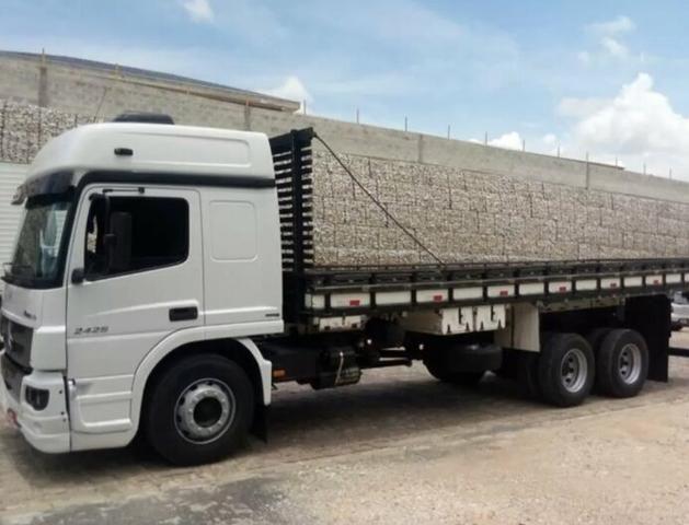 Mb Atego 2426 truck carroceria - Foto 2