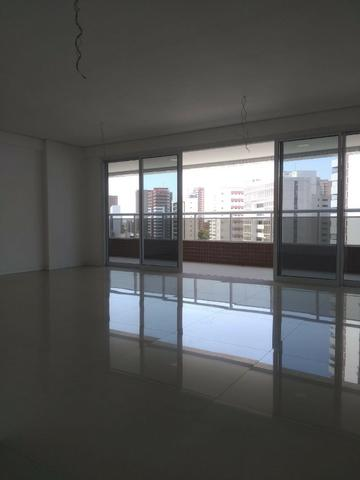 Vende-se Apartamento de Luxo Próximo ao Colégio Santa Cecília - Foto 12