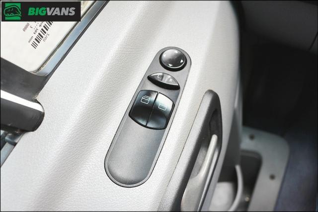 Sprinter 2018 415 Bigvan Executiva 19L Branca (4209) - Foto 10
