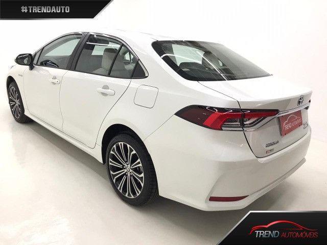 Corolla Altis Hybrid Branco perolizado 0km - Foto 4