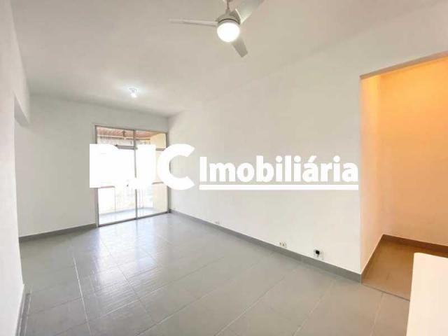 Apartamento à venda com 3 dormitórios em Maracanã, Rio de janeiro cod:MBAP33071