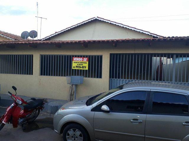 Vende-se esta  casa com ótimo preço