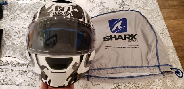 Capacete Shark Skwal Cargo - Viseira Solar e Led. Tamanho 59/60 Large.