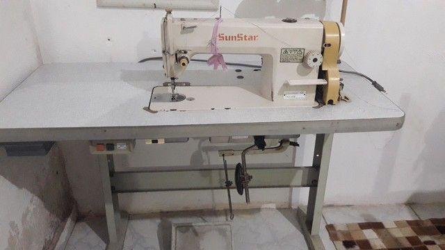 Máquina de costura industrial reta