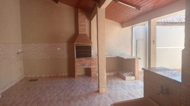 Linda Casa Iracy Coelho com Quintal Amplo 12 m² x 30 m² - Foto 15