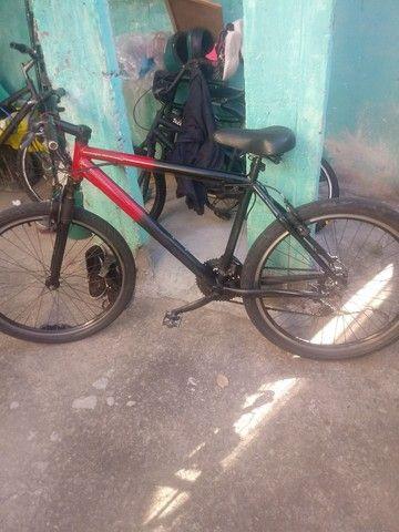 Vendo bicicleta aluminium aro 26  - Foto 3