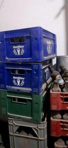 Vende se Vasilhame e engradado litrinho refrigerante e outros  - Foto 2