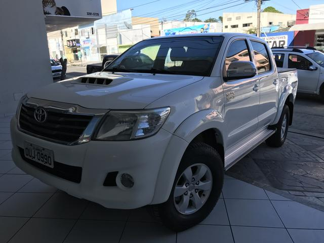 VENDO TOYOTA HILUX PICK UP