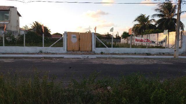 Terreno med. 27 m x 60 m = 1.620 m 2 na praia de Aruana