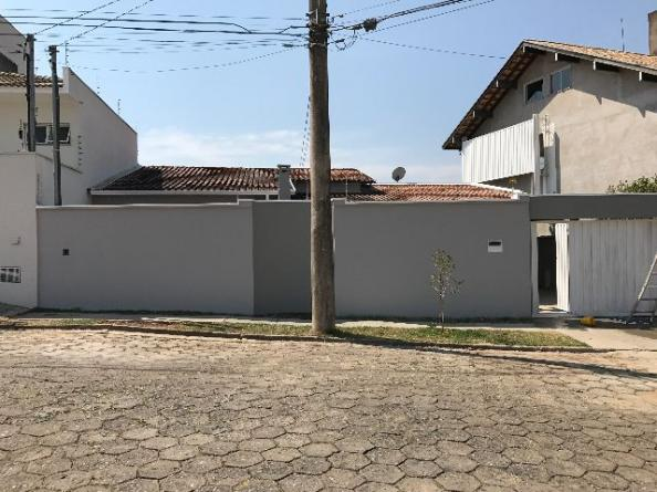 Casa em Pouso Alegre, Próximo Hospital Renascentista