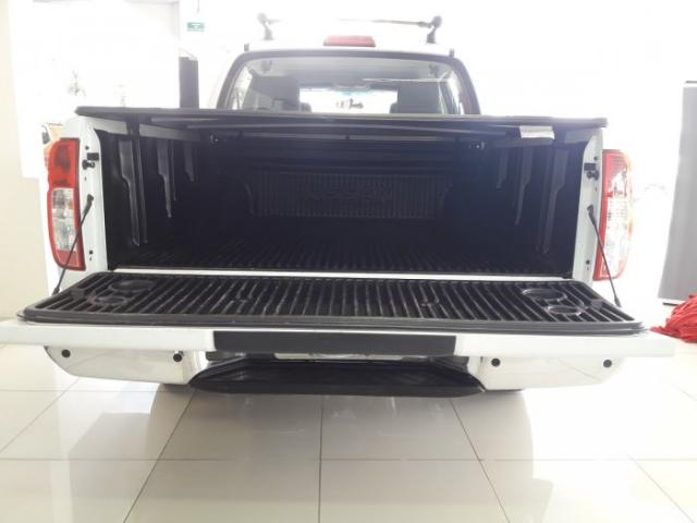 Nissan Frontier 2014 2.5 sv attack 4x4 cd turbo eletronic diesel 4p manual - Foto 6