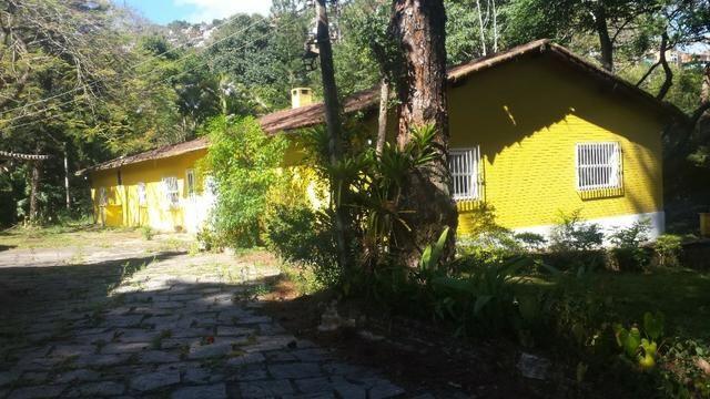 Casa em Itaipava ideal para construtores e investidores, com terreno de 5.000m2 planos - Foto 6