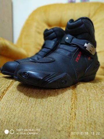 Bota sapato calçado motoqueiro moto novinha - Foto 6