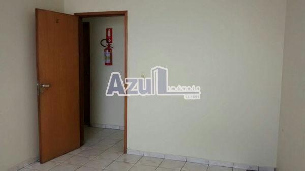 Comercial sala no Loja Comercial - Bairro Jardim Nova Era em Aparecida de Goiânia - Foto 2