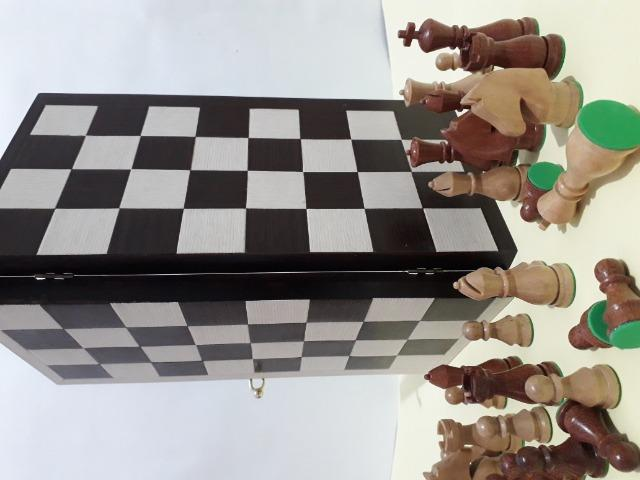 Tabuleiro de xadrez em madeira - Foto 5
