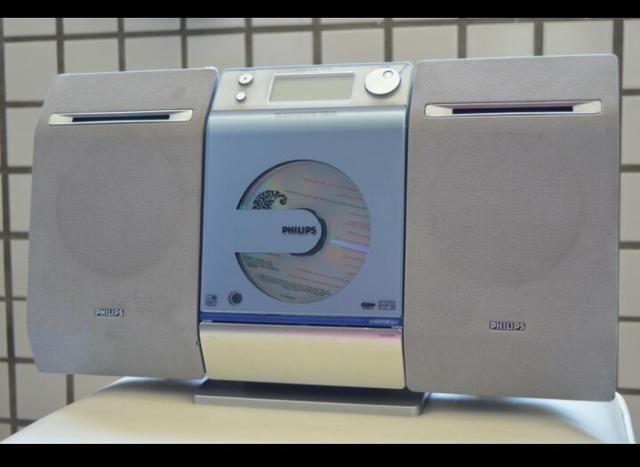 Tocador de CD, rádio, USB - Philips - Foto 4