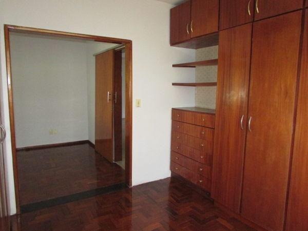 Casa  com 4 quartos - Bairro Jardim América em Goiânia - Foto 15