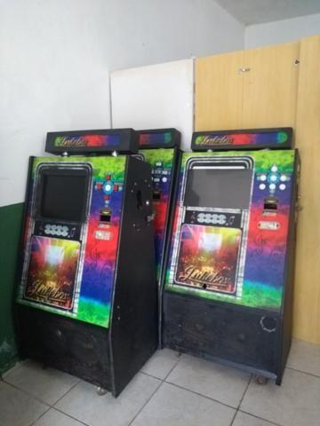 6 máquinas de música com noteiro e moedeiro falta placa mãe e HD - Foto 4