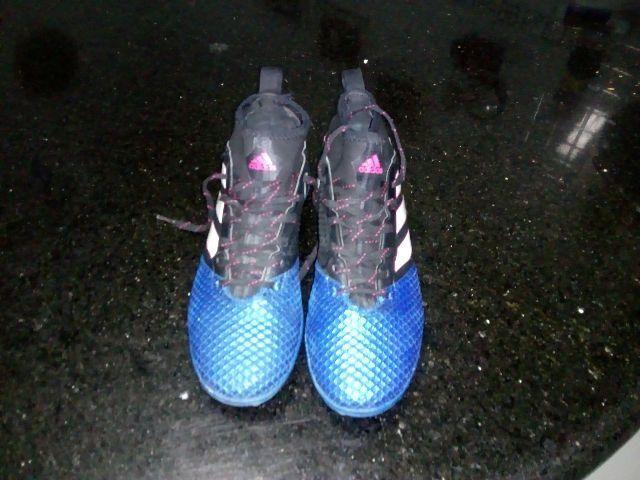 Chuteira society cano alto Adidas - Esportes e ginástica - Boa Vista ... 34712faa6cb40