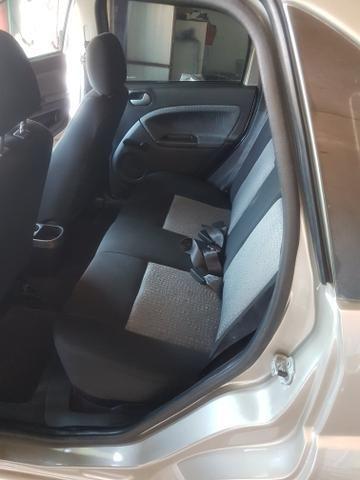 Fiesta Sedan Class 1.6 Completão - Foto 6