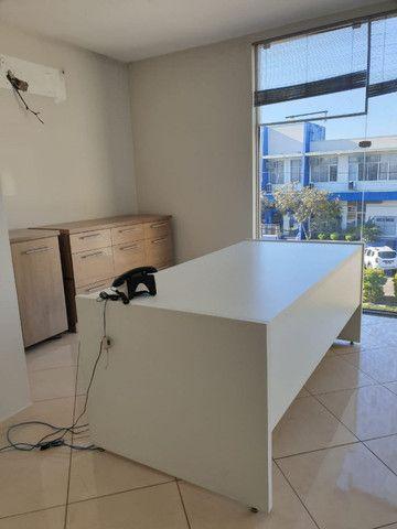 Aceito proposta para mesa p/ escritório c/ 2 gavetas - Foto 2