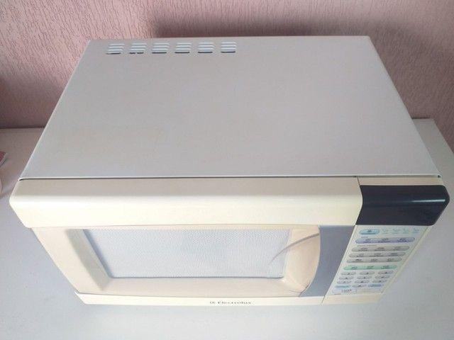"Micro-ondas Electrolux ME28S "" 90 DIAS DE GARANTIA"" - Foto 2"