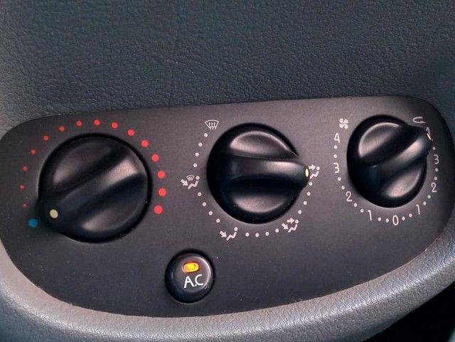 RENAULT CLIO PRIVILEGE 1.6 16V - Foto 15