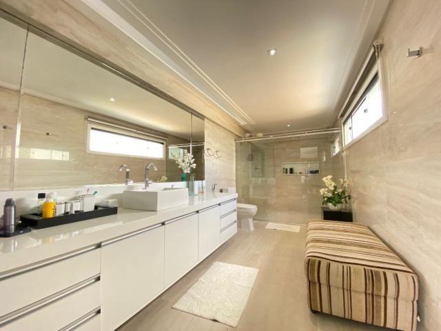 Cobertura espetacular com 495 m² privativos e 6 vagas de garagem - Foto 17