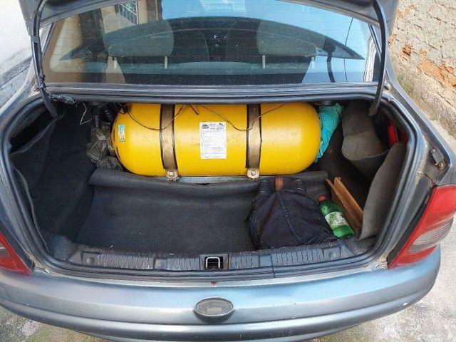 Corsa sedam 2001 1.0 8V com GNV e AR.  - Foto 5
