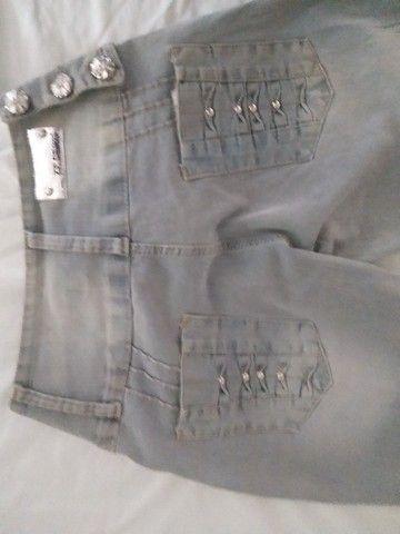 calça jeans  cinza com det. 42 - Foto 3