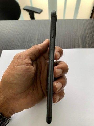 Iphone 8 Plus 64 gb Preto e em  estado de zero e pouco uso - Foto 6